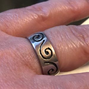 .925 Sterling silver tribal Air ring Theme band.